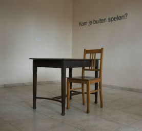 Firm: chair, table and text, 70 x 150 x 80 cm
